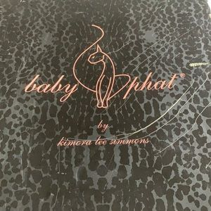 Throw baby Baby Phat boots